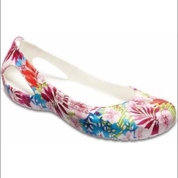 0729a530b8 CROCS Shoes | Nwt Kadee Tropical Flat Size 8 | Poshmark